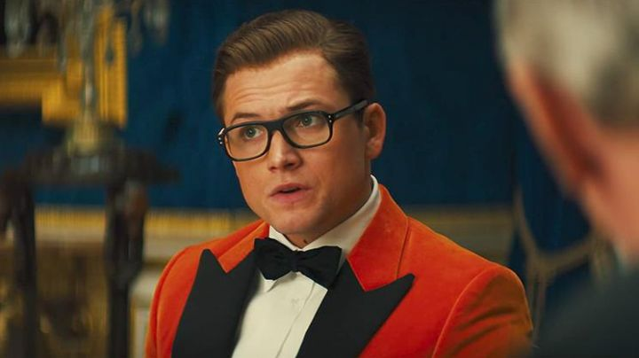 The blazer orange velvet Eggsy (Taron Egerton) in Kingsman : The golden circle - Movie Outfits and Products
