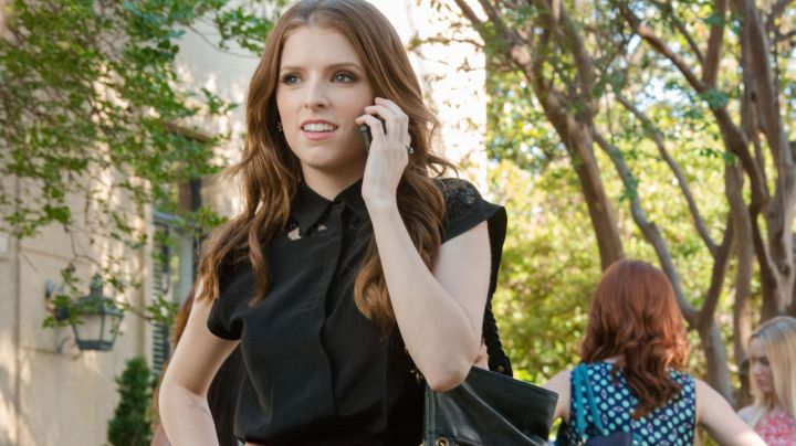 The blouse of Beca Mitchell in Pitch Perfect 2 - Movie Outfits and Products