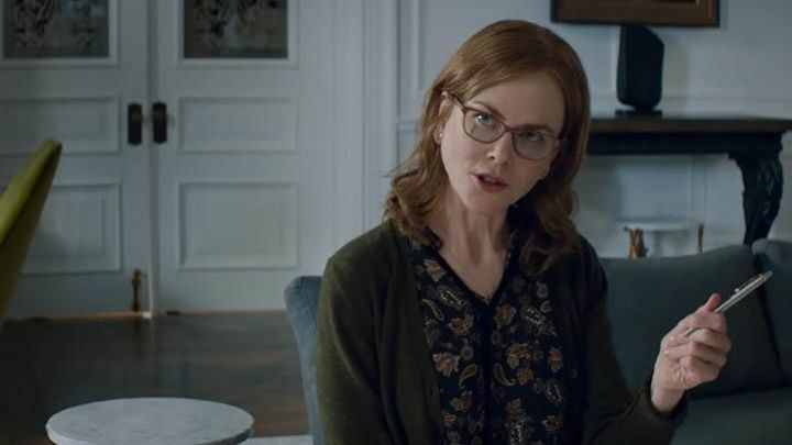 The blouse with paisley patterns of Yvonne (Nicole Kidman) in The Upside Movie