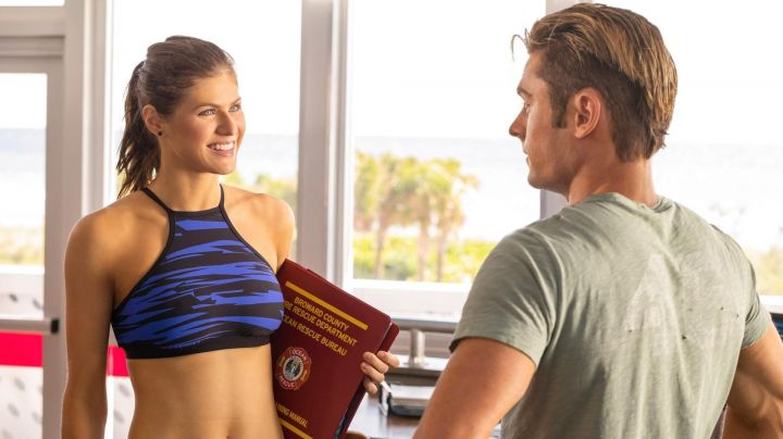 The blue bikini Seafolly Summer Quinn (Alexandra Daddario) in Baywatch : baywatch - Movie Outfits and Products