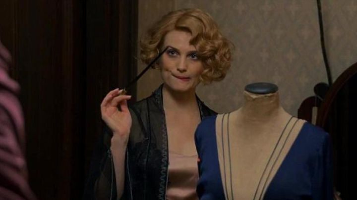 The blue dress Queenie Goldstein in fantastic animals movie