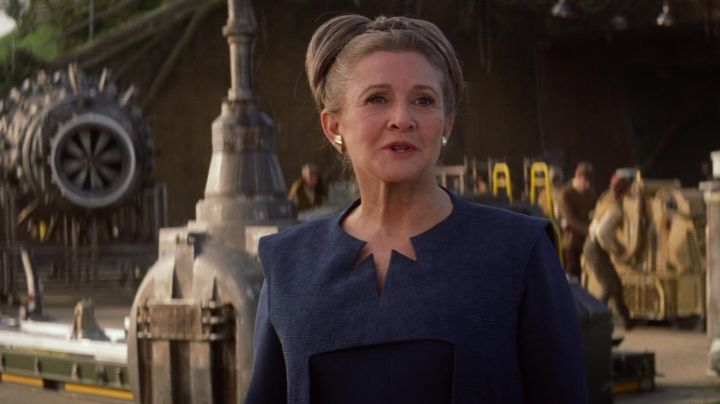 Fashion Trends 2021: The blue dress of Leia (Carrie Fisher) in Star Wars VII : The awakening of the Force