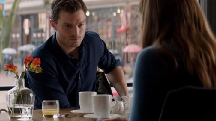The blue shirt of Christian Grey (Jamie Dornan) in 50 shades darker - Movie Outfits and Products