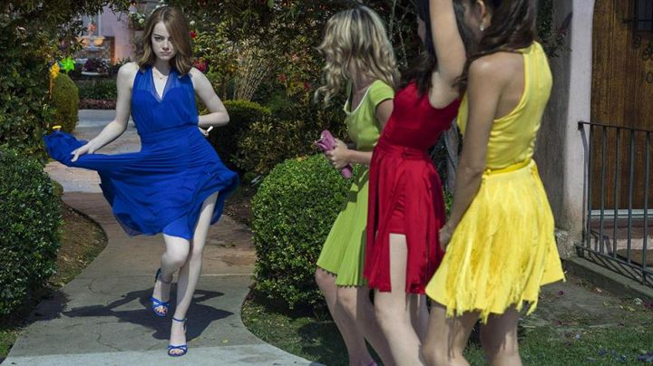 The blue shoes of Mia (Emma Stone) in the The Land - Movie Outfits and Products