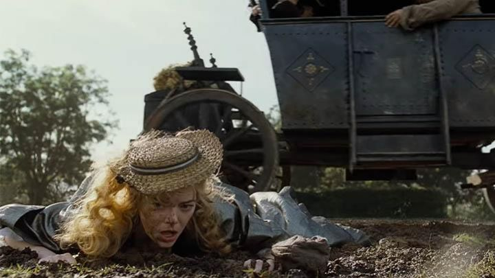 The boater beige with blue tape and white Abigail Masham(Emma Stone) in The Favourites Movie