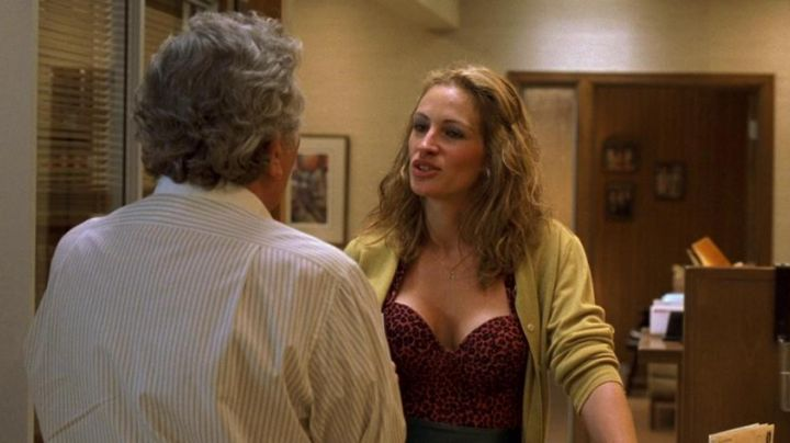 The body of a leopard from Erin Brockovich (Julia Roberts) in Erin Brockovich, alone against all - Movie Outfits and Products