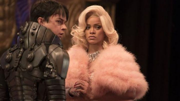 Fashion Trends 2021: The bolero pink Bubble (Rihanna) in Valérian and the City of ten thousand planets