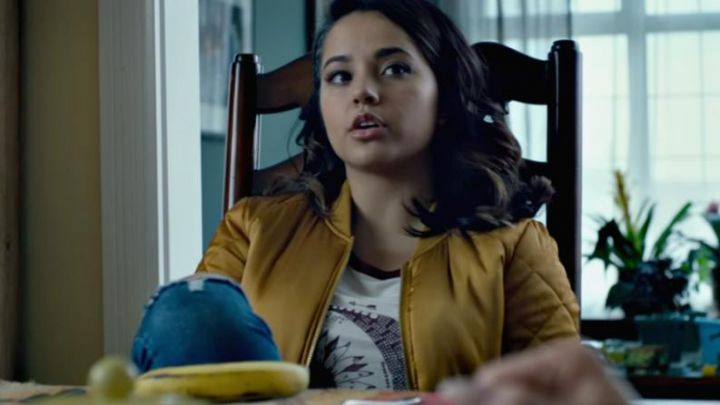 The bomber jacket bomber yellow Trini (Becky G) in Power Rangers - Movie Outfits and Products