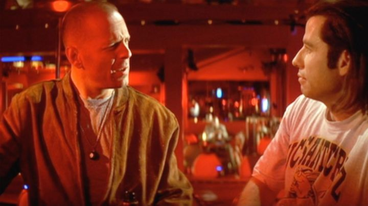 The bomber jacket in suede from Butch Coolidge (Bruce Willis) in Pulp Fiction