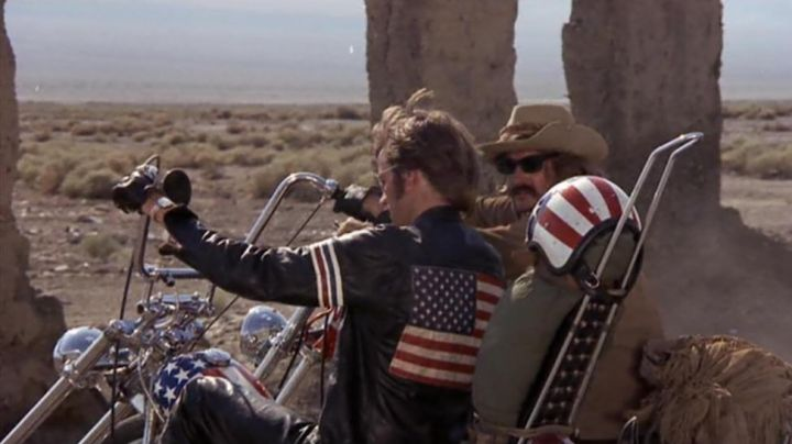 The bomber jacket with stripes blue white red Wyatt / Captain America (Peter Fonda) Easy Rider - Movie Outfits and Products