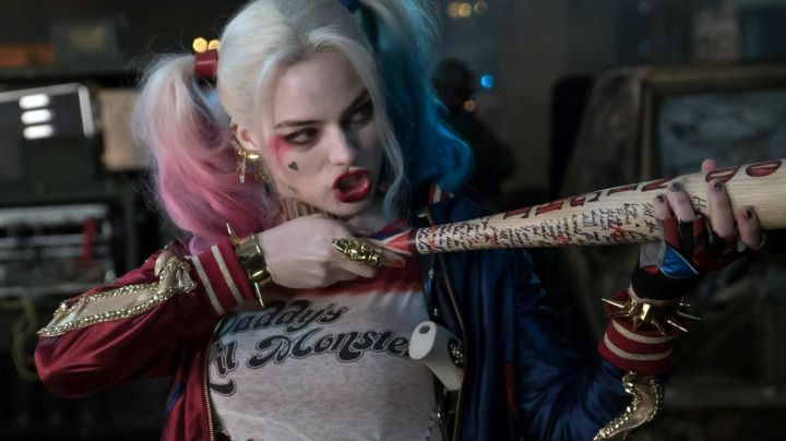 The bomber (-official) Harley Quinn (Margot Robbie) in Suicide Squad - Movie Outfits and Products