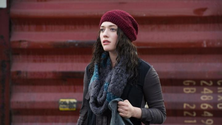 Fashion Trends 2021: The bonnet bordeau Darcy Lewis (Kat Dennings) in Thor : the Dark World, The