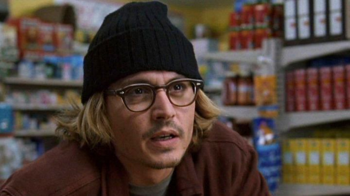 The bonnet of Morton Rainey (Johnny Depp) in Secret Window movie