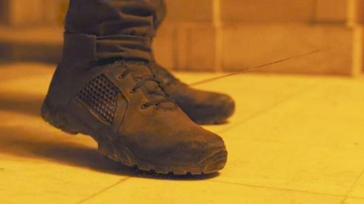 The boots Bates of officer K (Ryan Gosling) in Blade Runner 2049 - Movie Outfits and Products
