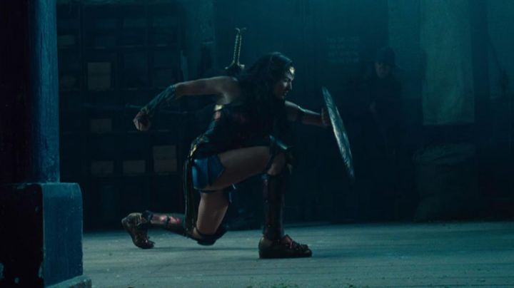 Fashion Trends 2021: The boots Diana Prince / Wonder Woman (Gal Gadot) in Wonder Woman