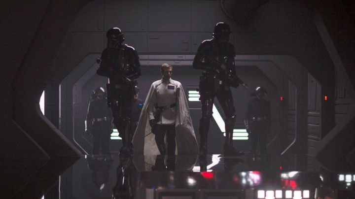 Fashion Trends 2021: The boots Orson Krennic (Ben Mendelsohn) in Rogue One : A Star Wars Story