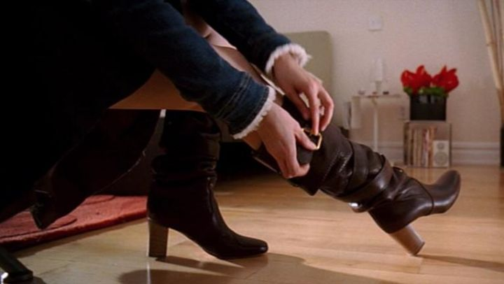 The boots of Andrea Sachs (Anne Hathaway) in The devil wears Prada movie