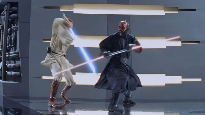 Fashion Trends 2021: The boots of Darth Maul (Ray Park) in Star Wars I : The Phantom menace