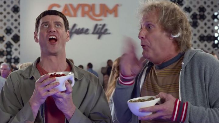 Fashion Trends 2021: The bowl Flavour Design of Harry Dunne (Jeff Daniels) in Dumb & Dumber To
