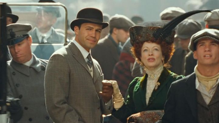 Fashion Trends 2021: The bowler hat-Caledon Hockley (Billy Zane) in Titanic