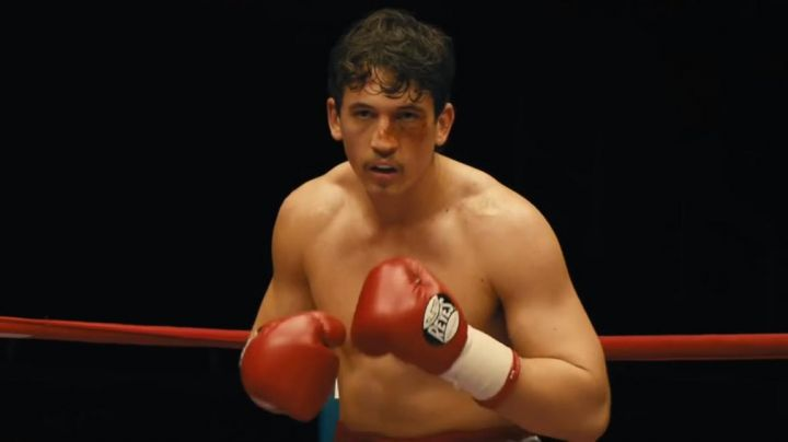 The boxing gloves red, Cleto Reyes of Vinny Pazienza (Miles Teller in Bleed for This - Movie Outfits and Products