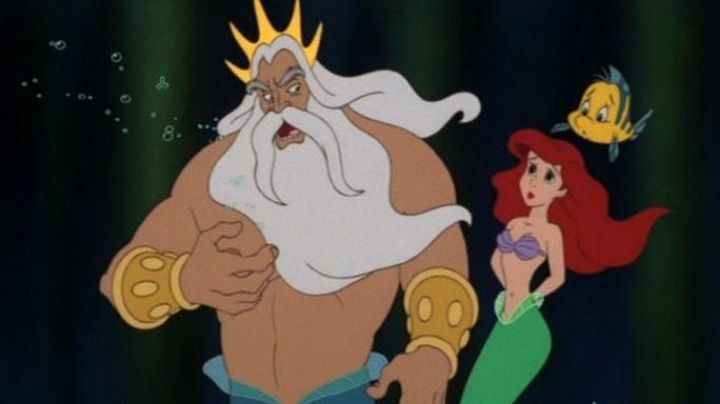 The bra Ariel in the cartoon The little mermaid - Movie Outfits and Products