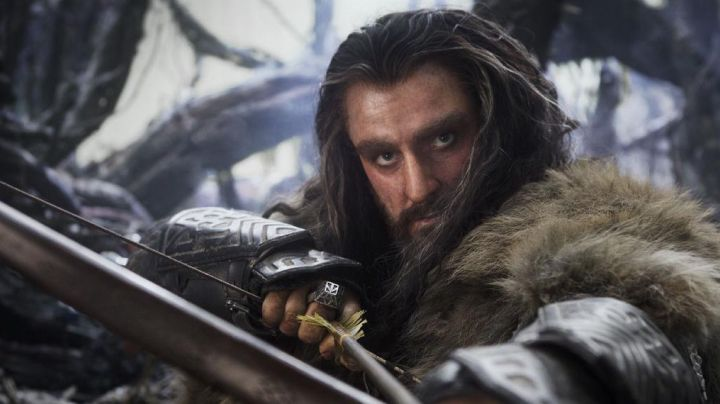 The bracers of Thorin Écu-de-Chêne (Richard Armitage) in The Hobbit - Movie Outfits and Products