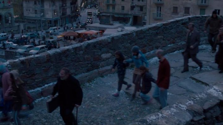 The bridge of Via Roma in Pont-saint-martin in Italy in Avengers : Age of Ultron - Movie Outfits and Products