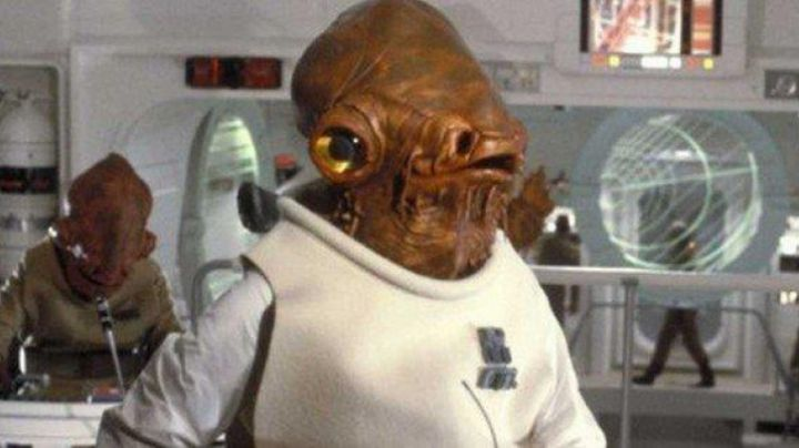 Fashion Trends 2021: The bust of Admiral Akkbar in Star Wars IV : A new hope