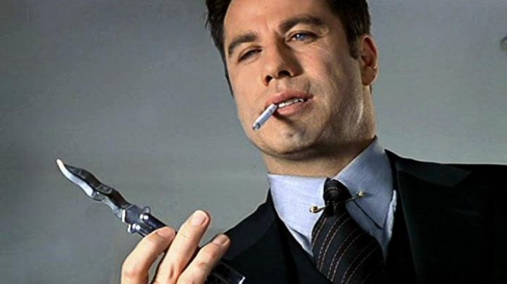 The butterfly knife of Castor Troy (John Travolta) in Volte/Face - Movie Outfits and Products