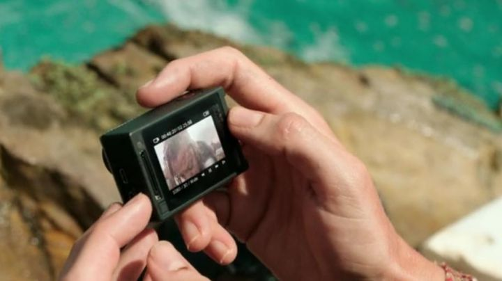 The camera GoPro of Nancy Adams (Blake Lively) in The Shallows (Instinct of survival) movie