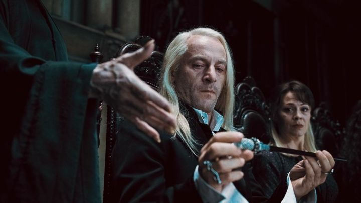 The cane and wand Lucius Malfoy (Jason Isaacs) in Harry Potter and the Order of the Phoenix movie
