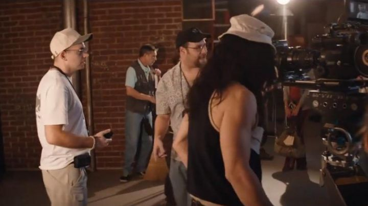 The cap two-tone beige and brown of Raphael Smadja's (Paul Scheer) in The Disaster Artist - Movie Outfits and Products