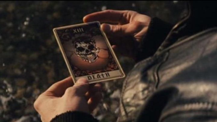 """The card """"Death"""" of Jack Wilder (Dave Franco) in Elusive movie"""