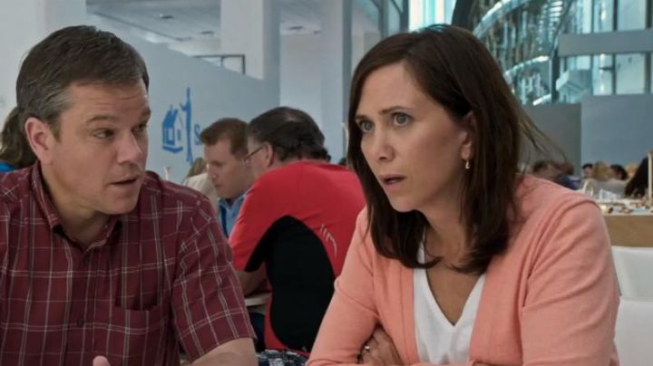 The cardigan pink Audrey Safranek (Kristen Wiig) in Downsizing - Movie Outfits and Products