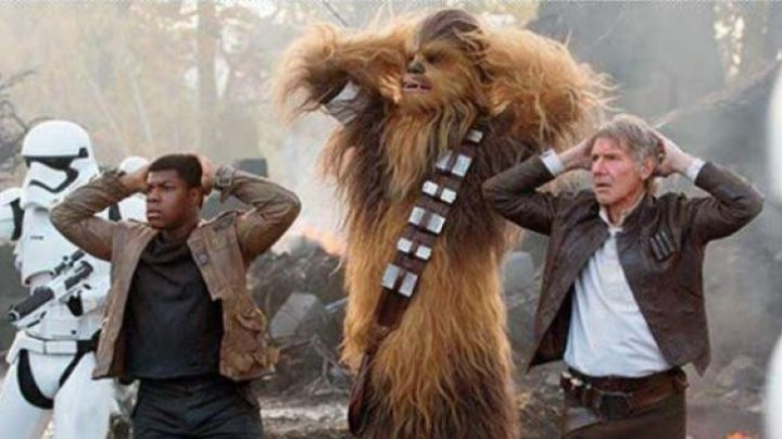 Fashion Trends 2021: The cartridge belt of Chewbacca in Star Wars VII : The awakening of the force