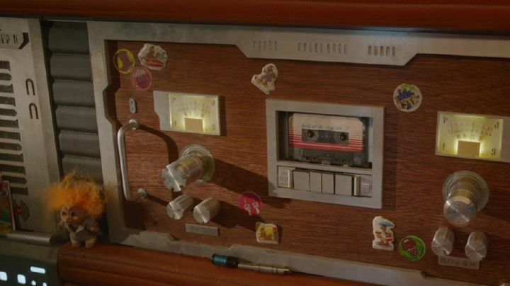 The cassette Awesome Mix Vol. 1 of Peter Quill / Star-Lord (Chris Pratt) in Guardians of the Galaxy movie