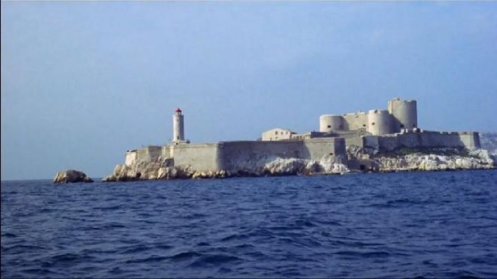 The château d'if with Marseille in the French Connection - Movie Outfits and Products