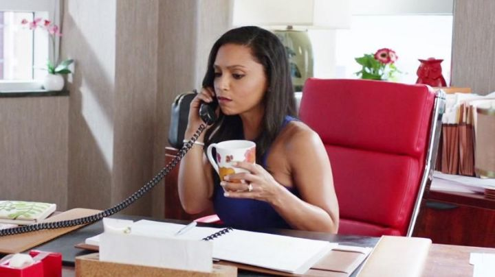 The chair Latitude Run from Danielle Nicolet in Agents almost secret - Movie Outfits and Products
