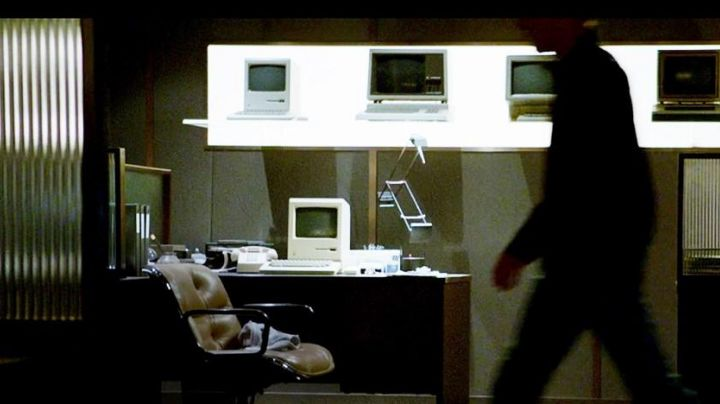 The chair by KNOLL view in Steve Jobs - Movie Outfits and Products