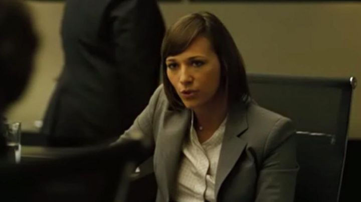 "The chair of Marilyn Delpi (Rashida Jones) in "" The Social Network - Movie Outfits and Products"