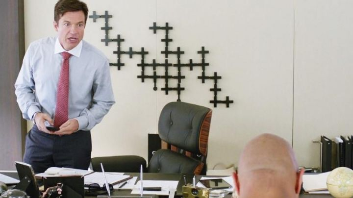 The chair of Trevor (Jason Bateman) in Agents Almost Secret - Movie Outfits and Products