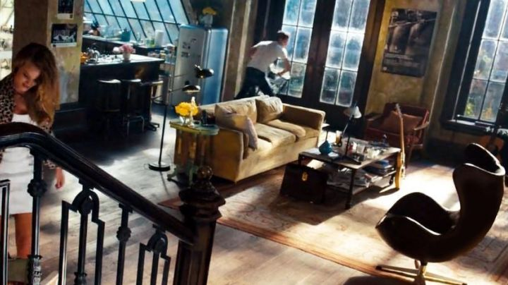The chair seen in the apartment of Sam Witwicky (Shia Leboeuf) in Transformers 3 - Movie Outfits and Products