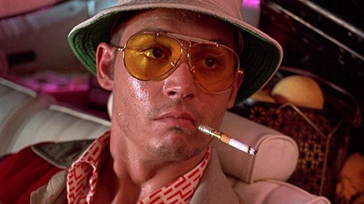 The cigarette holder Raoul Duke (Johnny Depp) in Las Vegas parano movie