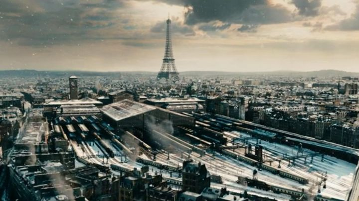 The city of Paris in the movie Hugo Cabret - Movie Outfits and Products