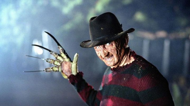 The claws of Freddy Krueger (Robert Englund) in the film The claws of the night - Movie Outfits and Products