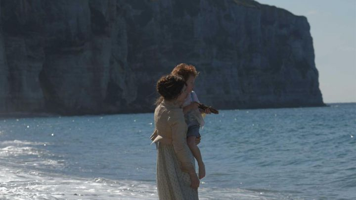 The cliffs of Etretat in the film A life (Judith Chemla) - Movie Outfits and Products