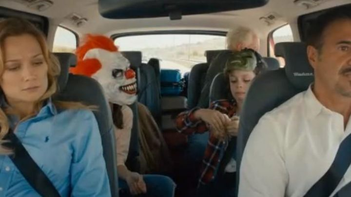The clown mask seen in the movie in the background - Movie Outfits and Products