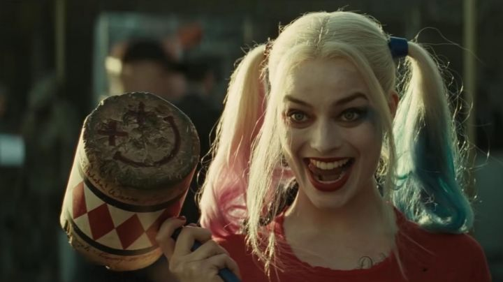 The club of Dr. Harleen Quinzel / Harley Quinn (Margot Robbie) in Suicide Squad movie