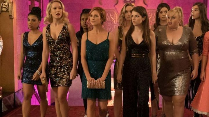 The clutch INC International Concepts Chloe (Brittany Snow) in Pitch Perfect 3 - Movie Outfits and Products